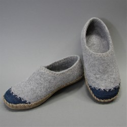 41 slippers with reinforced...