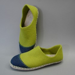 44 slippers with reinforced...