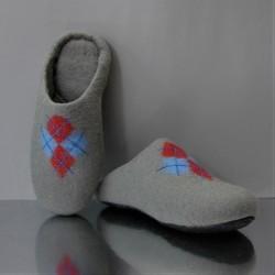 "43 felt slippers ""Argyle"""