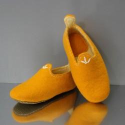 31 felt slippers