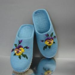 "38 felt slippers ""Pancy"" 1"