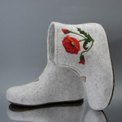 """38 felt home boots """"Poppies"""""""