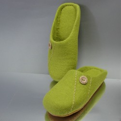 "43 felt slippers ""Spring day"""