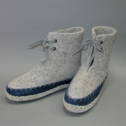 42 felt boots for home with...