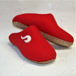 40 slippers