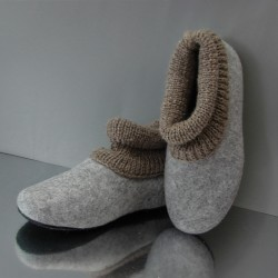 41 felt slippers with...